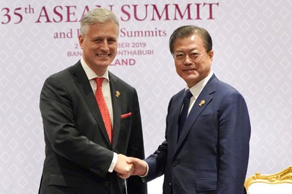 Moon Urges US Patience on N. Korea in Meeting with Trump's Security Adviser