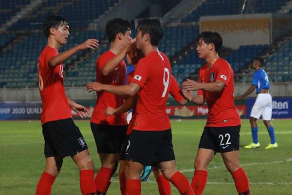 韩U19男足国家队4:1胜中国  小组第一出线