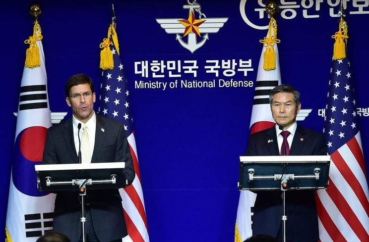 S. Korean, US Defense Chiefs at Odds over GSOMIA, Defense Costs