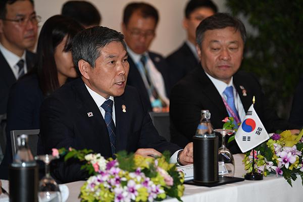 A Bangkok, le ministre de la Défense appelle à une reprise du dialogue entre Pyongyang et Washington