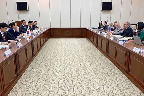 РК и США не смогли договориться о распределении военных расходов