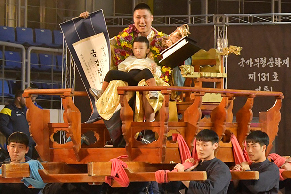 天下壮士シルム大祝祭 長身力士ファン・ジェウォンが2連覇