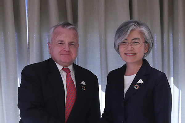 美国强调韩美日三方合作重要性