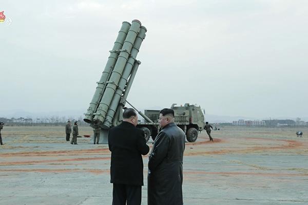 북, 초대형 방사포 가능성…20초 연발사격으로 정확도 향상 노려