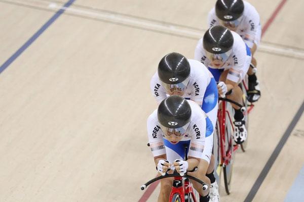 S. Korean Women Team Pursuit Wins First World Cup Medal