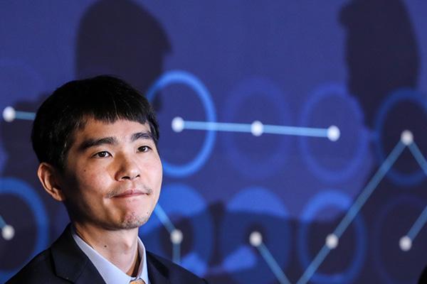 李世乭九段の引退対局 相手は韓国製AI「ハンドル」