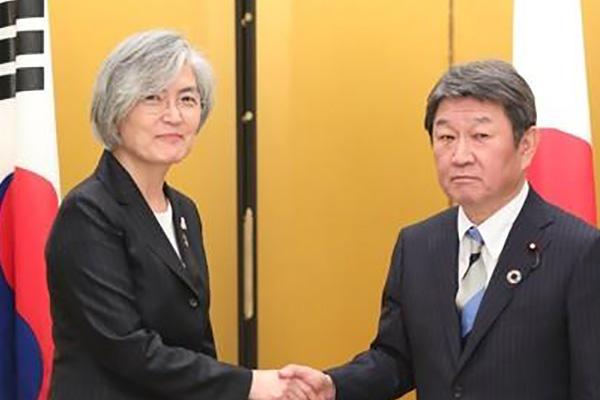 일본 외무상, '강경화 장관 폄하발언 보도 내용' 부인