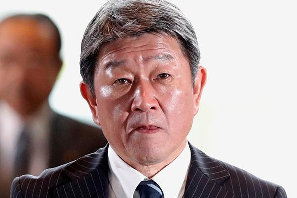 일본 외무상, '강경화 장관 폄하 발언' 주간지 보도 부인