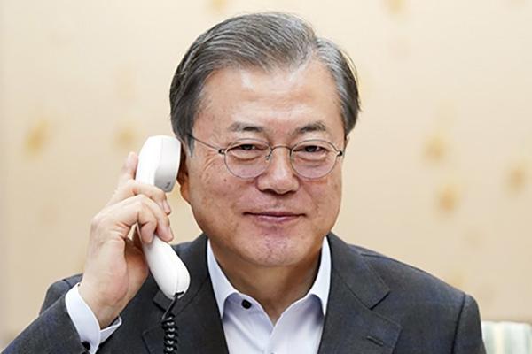 Moon et Trump ont eu un échange téléphonique quelques heures avant le « test très important » nord-coréen