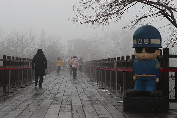 10日韩国全国出现严重雾霾天气