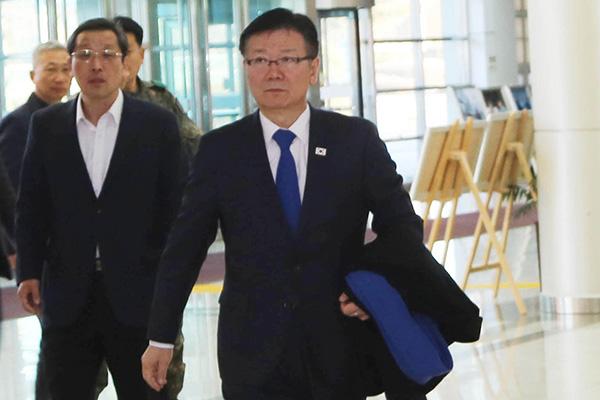 نائب وزير التوحيد الكوري الجنوبي يزور كيسونغ للمرة الأخيرة هذا العام