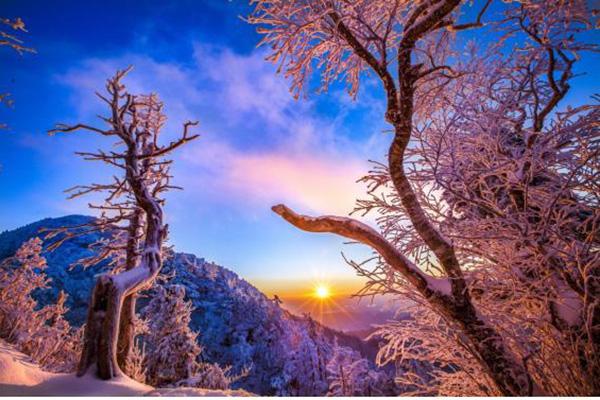 Top 10 địa điểm lý tưởng ngắm mặt trời lặn năm cũ, đón bình minh năm mới