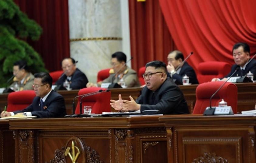 Kim Jong Un visita el Palacio de Kumsusan como primera actividad oficial de 2020