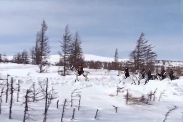 Bắc Triều Tiên phát phim tài liệu về chuyến thăm núi Baekdu của Chủ tịch Kim Jong-un