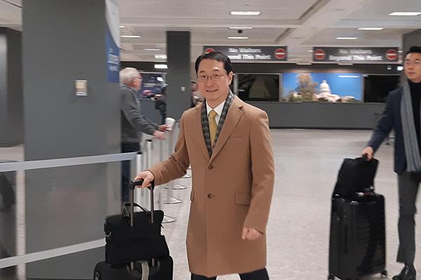 Kim Gunn prévoit de se rendre à Singapour et en Indonésie