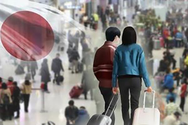 지난해 방일 외국인 2.2% 증가…4천만 명 목표에 '암운'
