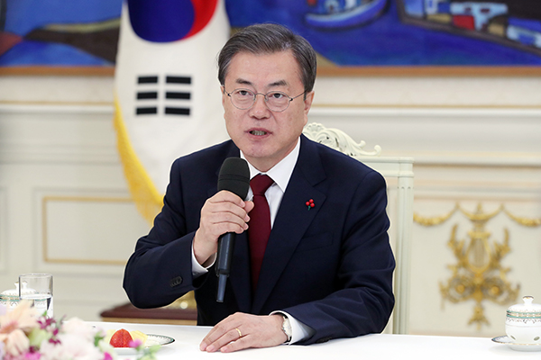 مون يشدد على التحالف مع الولايات المتحدة لتحقيق السلام في شبه الجزيرة الكورية