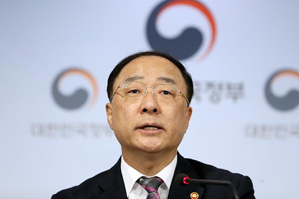 Хон Нам Ги: Ситуация с занятостью в РК улучшается