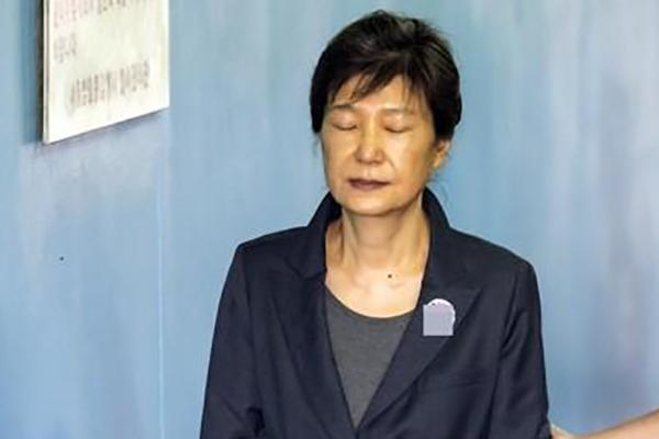 박근혜 '국정농단·국정원 특활비' 파기환송심 15일 시작