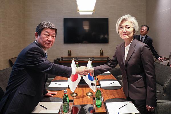 일본, 외교장관회담서 한국에 징용문제 해결책 제시 또 요구