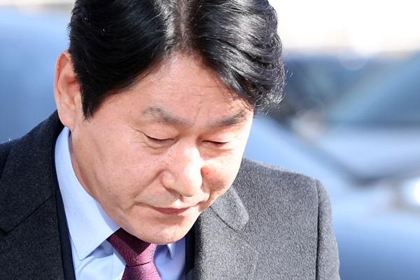 심기준의원, 불법 정치자금 수수 혐의  1심서 징역형…의원직 상실형