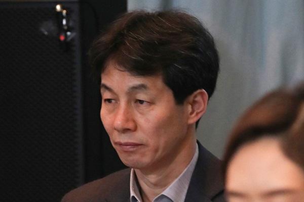 """윤건영 """"한국당 고발 이해 못해…네거티브전 시작된 것"""""""