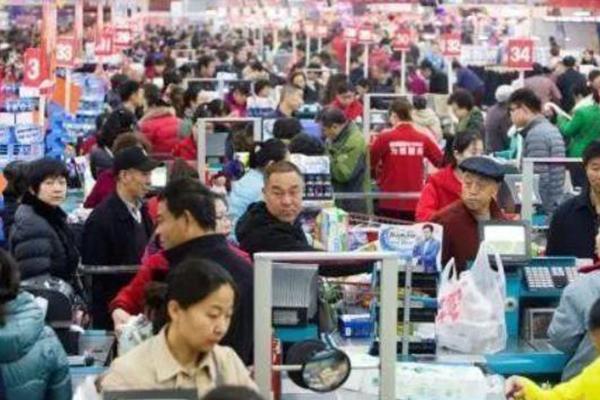 중국, 인구 14억 명·1인당 GDP 1만 달러 넘어