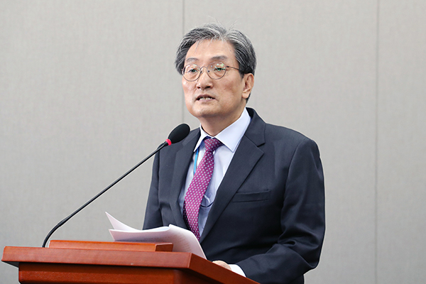 Moon's Chief of Staff Says Tours to N. Korea Don't Violate UN Sanctions