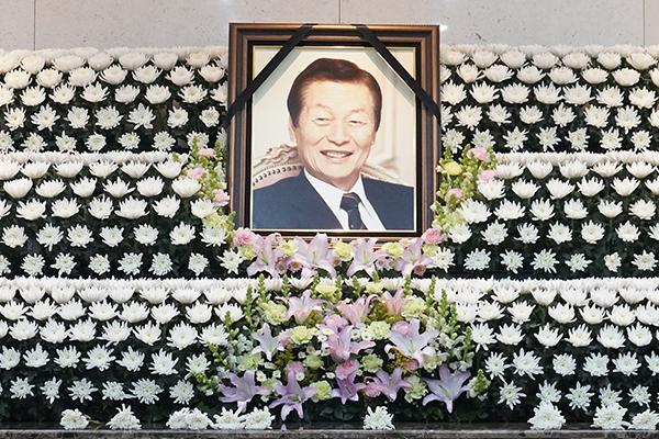 ロッテグループ創業者の辛格浩名誉会長が死去