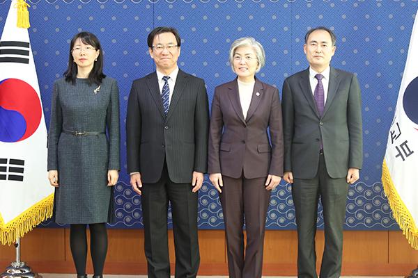 韓国外相 韓日中三国協力事務局長らと面会