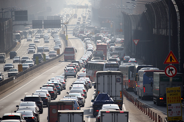Highway Traffic Congestion Begins ahead of Lunar New Year