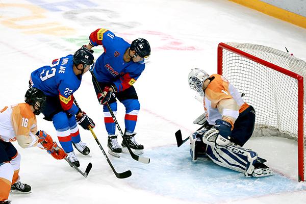 Championnat du monde de hockey sur glace : la Corée du Sud s'impose 5 à 1 contre les Pays-Bas