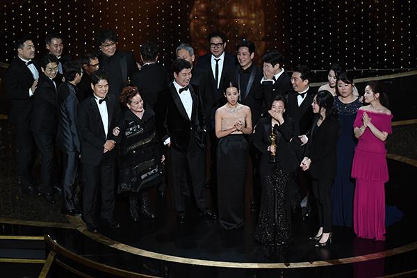 Parasite : quadruplé aux Oscars, le film de Bong Joon-ho entre dans l'Histoire