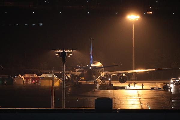 韩国第3架赴武汉撤侨包机抵达金浦机场 接回140余人