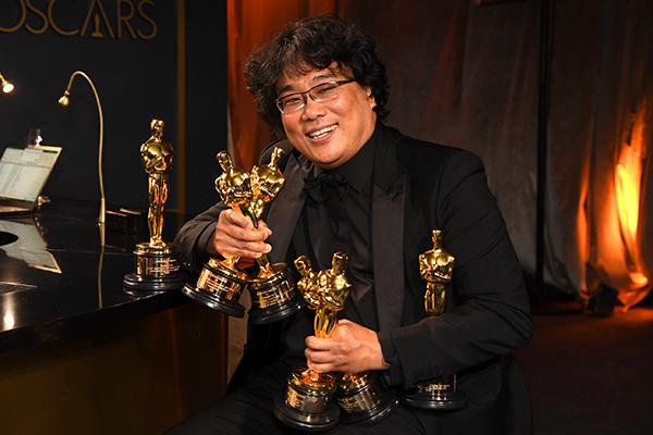 Президент РК поздравит режиссёра Пон Чжун Хо с успехом его фильма «Паразиты»
