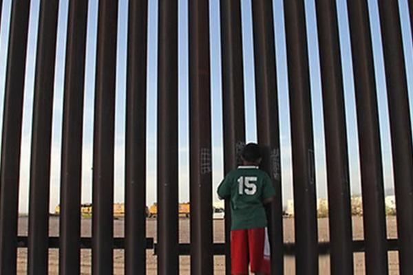 미 국방부, 무기예산 등 38억달러 장벽건설 전용 의회에 요청