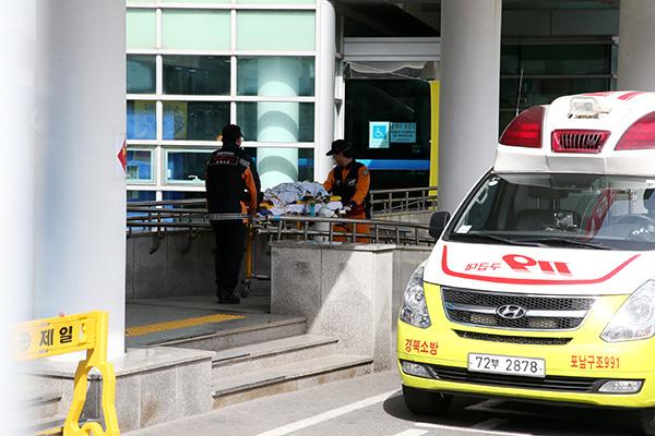 Tổng số ca nhiễm corona-19 tại Hàn Quốc tăng lên 833 người
