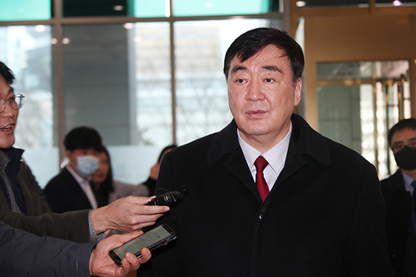 Chinese Diplomat Seeks Understanding over Quarantine Measures on S. Koreans