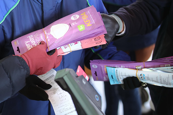 Правительство РК усилит контроль над производством и продажей защитных масок