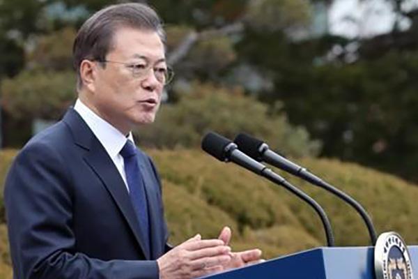 文大統領 外交・安保の重鎮と南北関係について意見交換