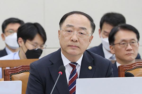 韩政府议决新冠疫情新一轮紧急支援方案