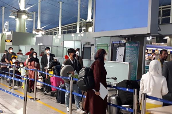イラン派遣のチャーター機 韓国に出発
