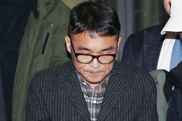 김건모 성폭행 혐의 기소의견 송치…경찰, 무고 혐의 수사 착수