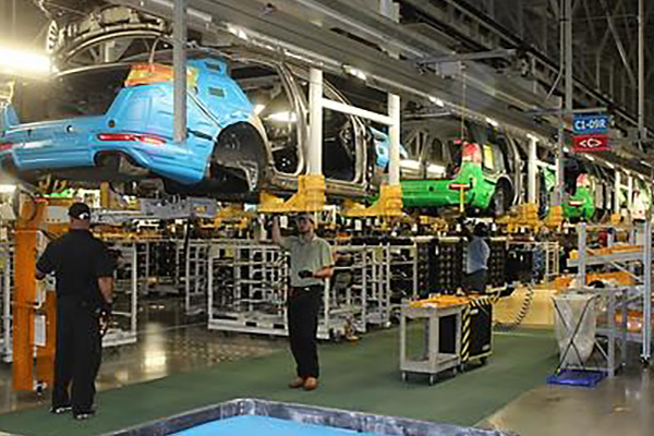 S. Korea's Industrial Output Falls 2.5% in April