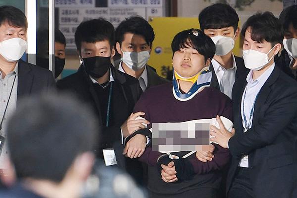 """조주빈 변호인 사임…""""가족 설명과 사실관계 너무 달라"""""""