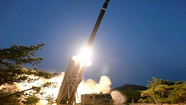 Nordkorea feuerte anscheinend zwei ballistische Raketen ab