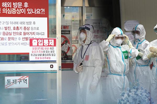 韓国の新型コロナ感染者 累計で1万人超える