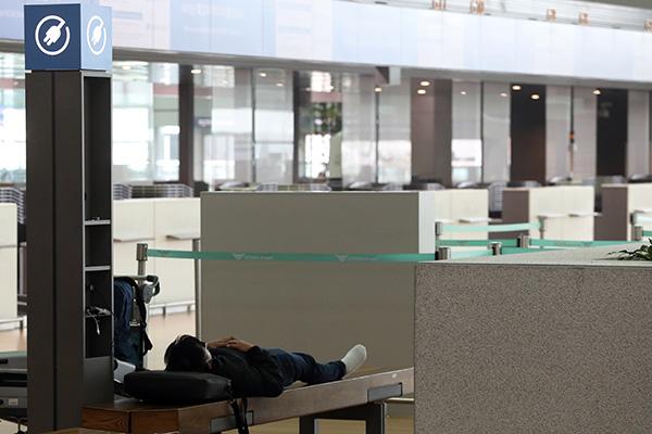 仁川机场单日旅客人数减至5000人以下 仅及金浦机场的五分之一