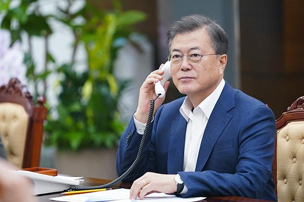 Президент РК Мун Чжэ Ин провёл телефонные переговоры с главами Австралии и Польши