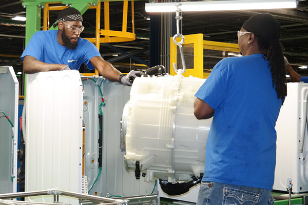 Samsung Electronics снова закрывает завод по производству стиральных машин в США